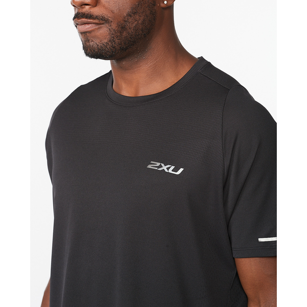 2XU Mens Aero Tee - Running shoes. Sole Motive , Melbourne, Australia.