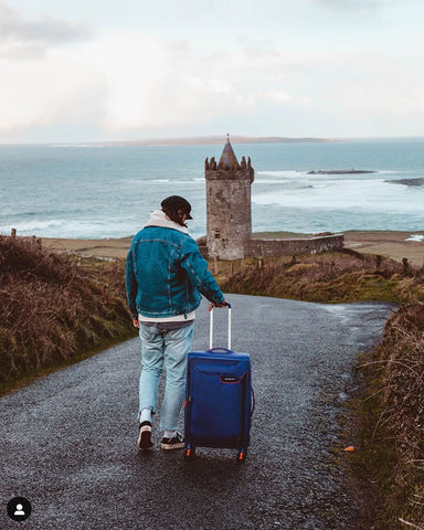 American Tourister Applite 4 - Top 10 Lightest Suitcases