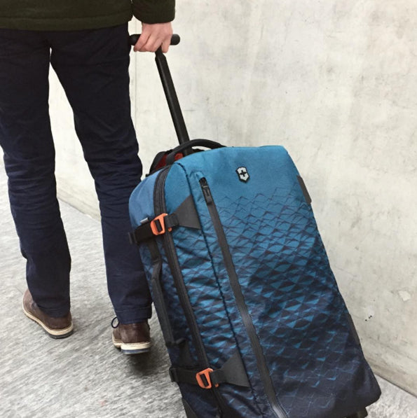 best-suitcase-for-adventure-travellers-victorinox-vx-touring
