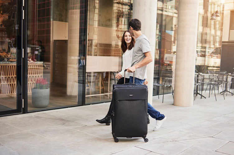 lightest-cabin-suitcases-antler-luggage-oxygen-cabin-bag