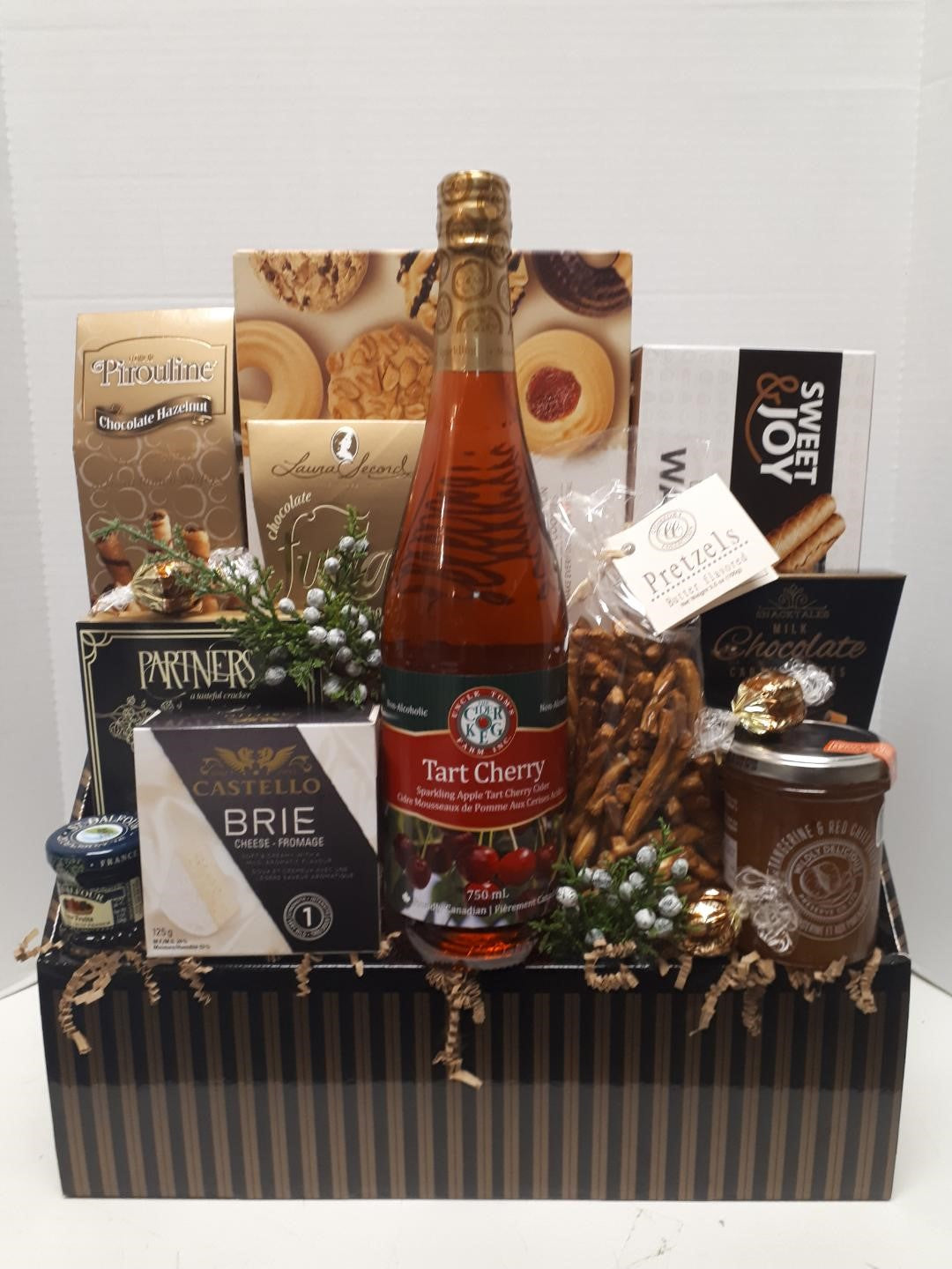 Gourmet Gift set in Black and Gold Box
