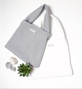 SOLITARY BY CHOICE SHOULDER BAG