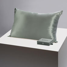 Load image into Gallery viewer, Blissy Silk Pillowcase (Queen)