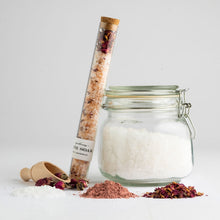 Load image into Gallery viewer, Nectar Republic Rose + Sandalwood Bath Soak