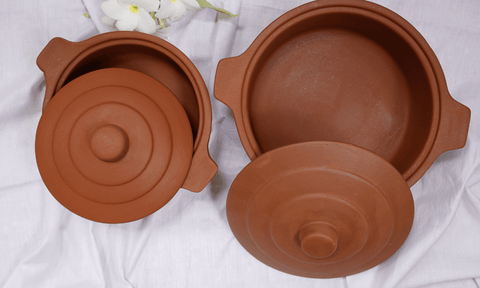 beautiful eartheware pots for cooking