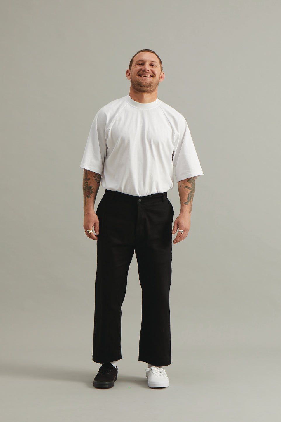 GOOD GOOD GOOD CROPPED TROUSER - BLACK