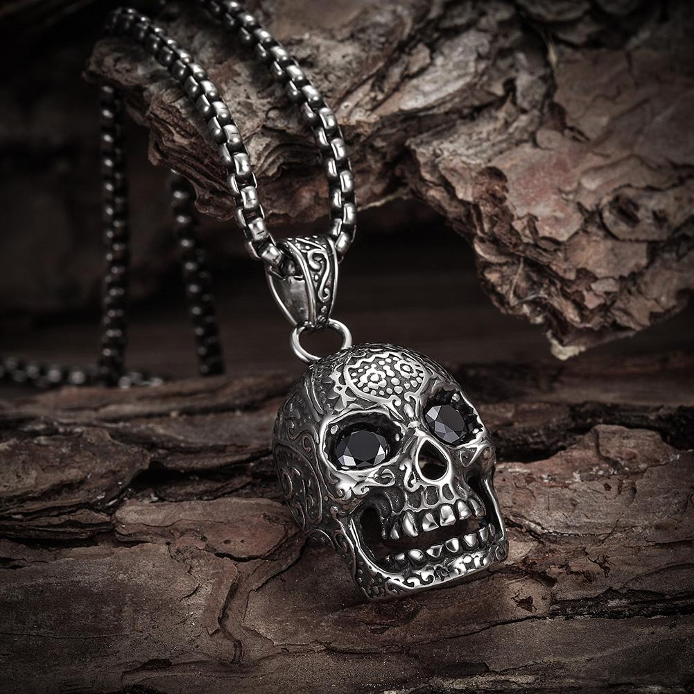 Grinning Skull Pendant Necklace