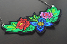 Load image into Gallery viewer, Mérida Floral Necklace  - Blue