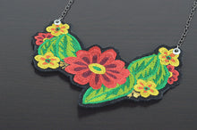 Load image into Gallery viewer, Mérida Floral Necklace  - Red