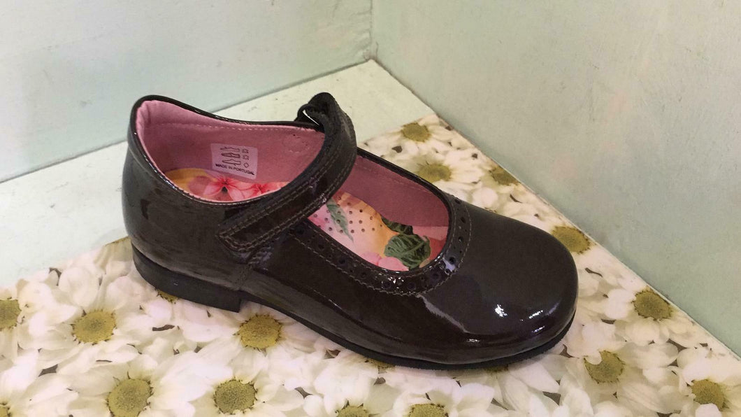 Petasil Childrens Girls Tanya Leather Mary Jane School Shoes Brown Patent