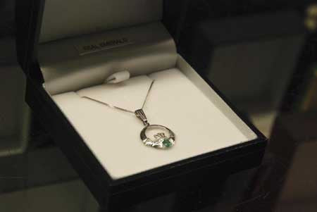 10k  White or Yellow Gold Claddagh Necklace with Real Emerald