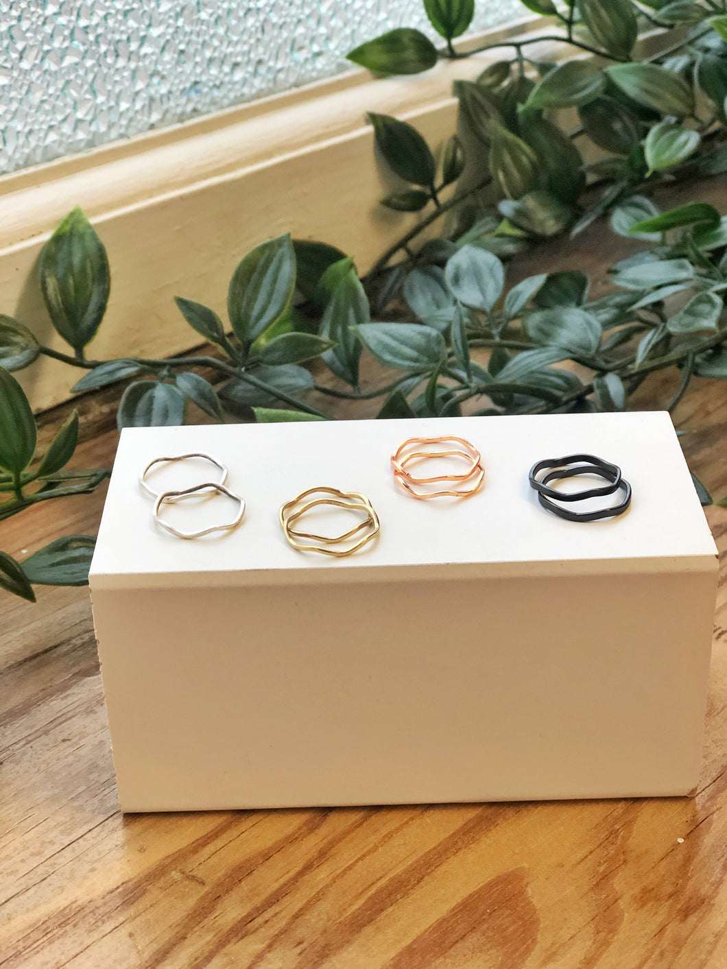 Wavey Midi Rings