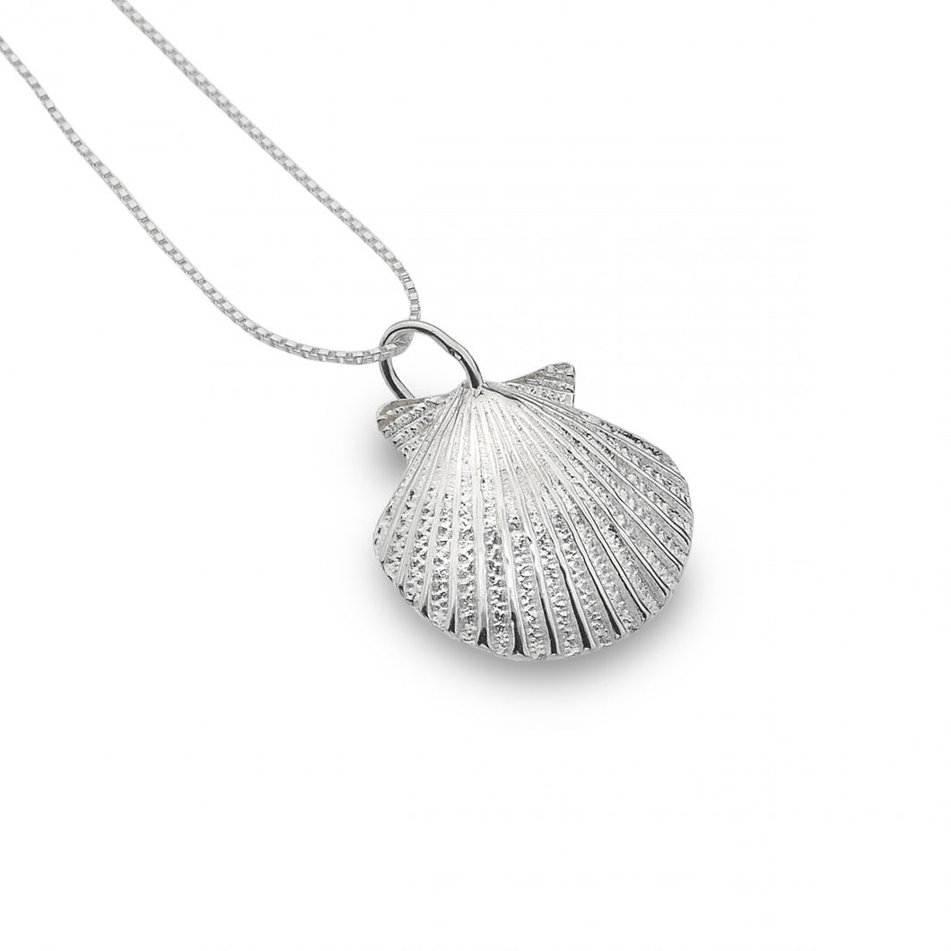 Scallop Shell Necklace In Sterling Silver