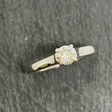 Load image into Gallery viewer, 18ct Single Stone Diamond Ring 0.30ct