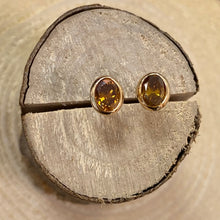 Load image into Gallery viewer, 18ct Natural Burnt Orange Diamond Studs 0.82ct