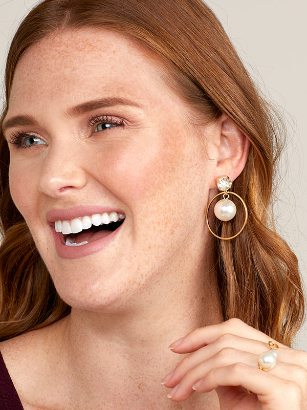 Steal the Spotlight Crystal and Pearl Drop Earring