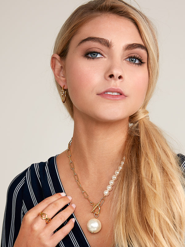 Best of Both Worlds Pearl Collar Necklace