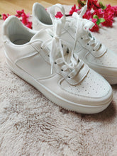 Afbeelding in Gallery-weergave laden, All white - Sneaker