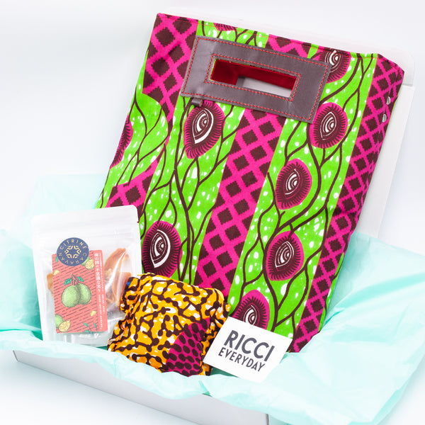 Christmas Gift Box / Medium Akello - Gaze -