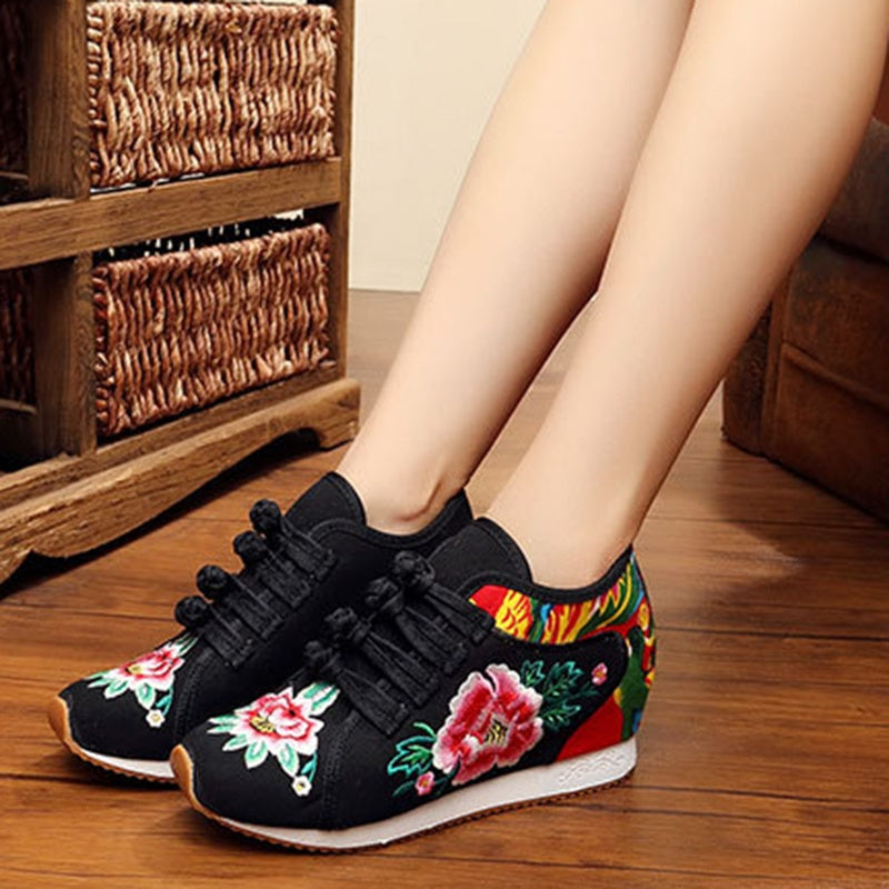 Folk-custom Style Women's Kapok Fashion Chinese Style Retro Embroidered Frog Canvas Shoes Folk-custom Square Dance Shoes Size 35-40