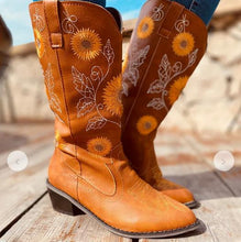 Load image into Gallery viewer, SUNFLOWER BOOTS