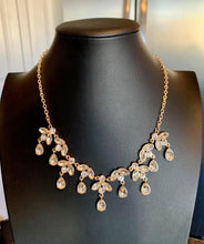 Load image into Gallery viewer, Vintage Royale Gold Necklace