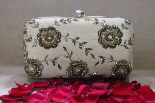 Avanche by Janhavi -Two Toned Sequin Clutch