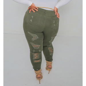 Curvy Hi-Waist Distressed Klass Jeans