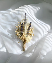 Load image into Gallery viewer, Leia Boutonnière