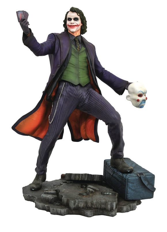 Batman Dark Knight: Joker PVC Diorama