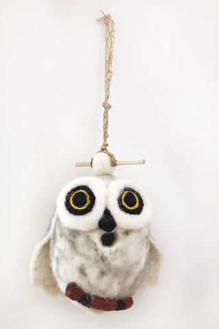 Snowy owl Felt birdhouse / Objet D'Art for Wall