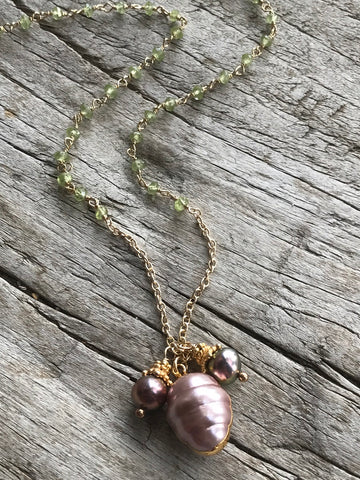 PINK FRESH WATER PEARL AND PERIDOT NECKLACE BY SAGE MACHADO, PINK PEARL AND PERIDOT GOLD NECKLACE