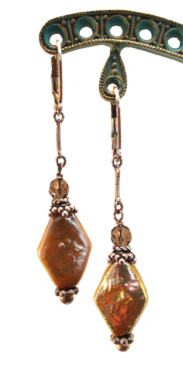 Honeycomb Freshwater Pearl and Topaz Earrings - The Sage Lifestyle