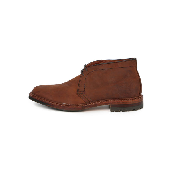 Chukka Laced Boots in Tobacco Chamois Leather — Commando Sole