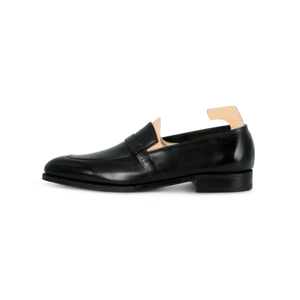 Felton Loafers in Black Museum Calf Leather