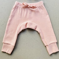 baby pants | ribbed material | dusty pink
