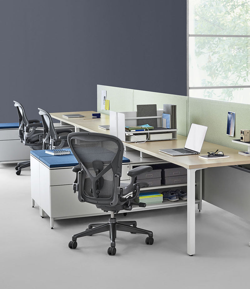 Aeron Remastered Chair - Mineral and Carbon