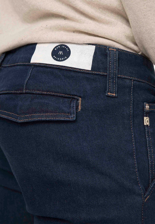 Man-Organic-jeans-Dunn-Chino-Strong-Blue-detail