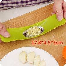 Load image into Gallery viewer, 1pcs/lot Stainless Steel Garlic Presses Manual Garlic Mincer  Garlic Tools Kitchen supplies Gadgets Curve presses Fruit Tools