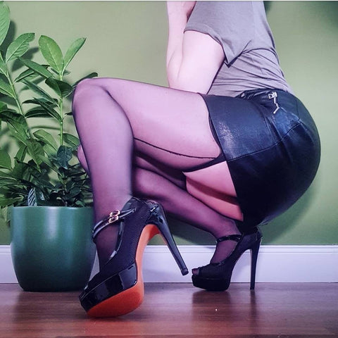 Rusikata Sheer Black Plain Top Seamed Stockings