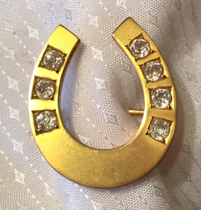 "Brooch, horse shoe w ""paste"" glass ""diamonds"", gilded sterling silver, Dressage"