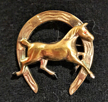 Load image into Gallery viewer, Brooch, 1950's era running horse w horseshoe, brass