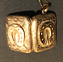Load image into Gallery viewer, Necklace, locket, double horse shoe, 9 kt gold on gold chain