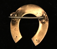 Load image into Gallery viewer, Brooch, antique horse shoe, 19th c, 15 kt gold