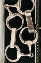 Load image into Gallery viewer, Bracelet, sterling snaffle bits, superb workmanship, hallmarked 1996