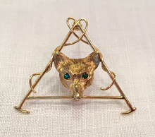 Load image into Gallery viewer, Brooch, fox mask & hunt whip, 10 kt gold w emerald eyes