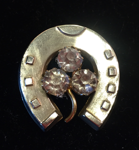 "Brooch, 19th c horse shoe w ""paste"" glass ""diamond"" clover, silver plated, Dressage"