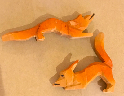 Foxes, tiny statues, Vintage Bavarian carvings, early-mid 20th c, set of 2