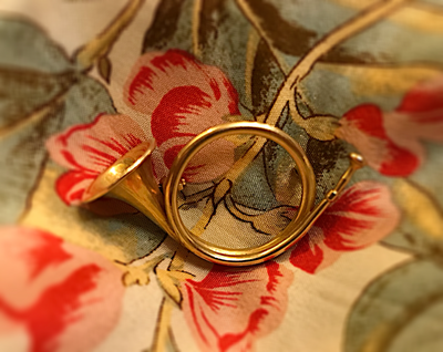 Brooch, French hunting horn, 1920's-1930's, 14 kt gold