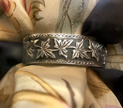 Scarf ring, 19th c, sterling, intricate ivy design